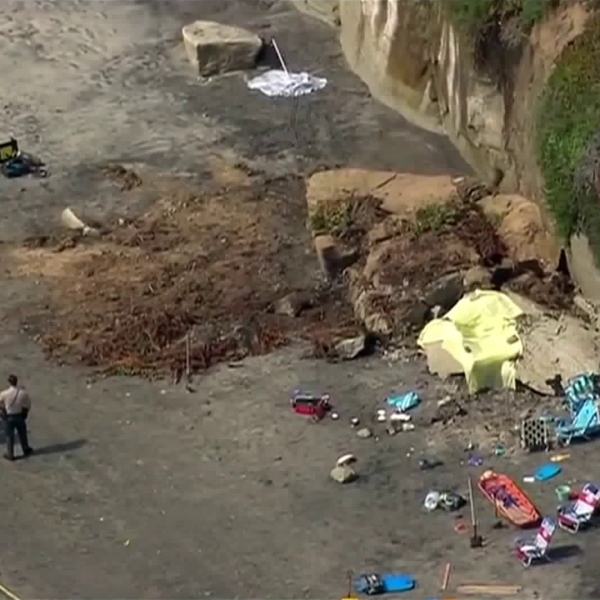 Authorities responded to a cliff collapse in Encinitas on Aug. 2, 2019. (Credit: KSWB)