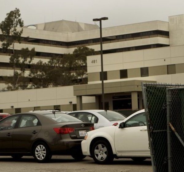 The Department of Veterans Affairs hospital in West Los Angeles is seen in 2011. (Anne Cusack / Los Angeles Times)