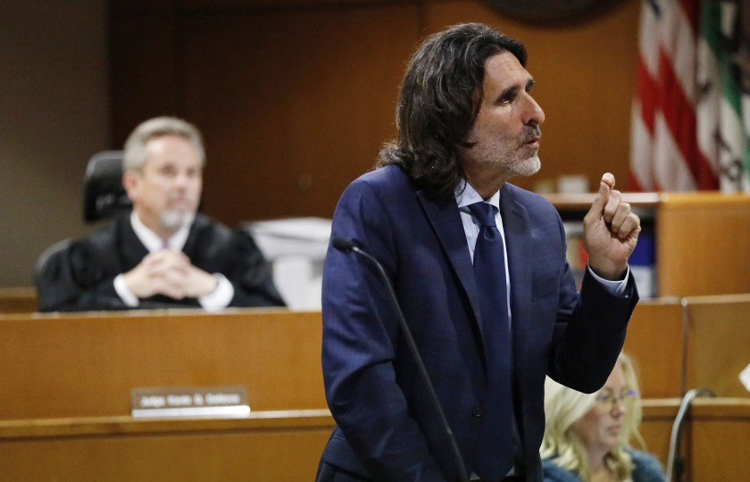Attorney David Feldman addresses the jury during closing arguments in Ventura County Superior Court. (Credit: Al Seib / Los Angeles Times)