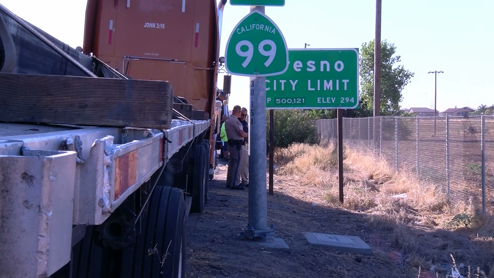 Officers investigate the scene in Fresno where one big rig driver stabbed two others on Aug. 28, 2019. (Credit: KGPE/KSEE via CNN)