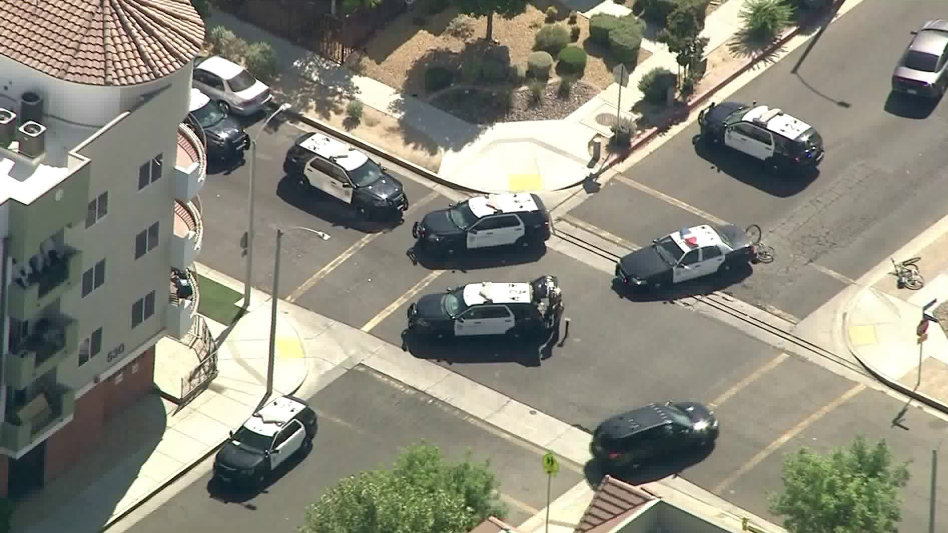 Authorities respond after a sheriff's deputy was shot in Lancaster on Aug. 21, 2019. (Credit: KTLA)
