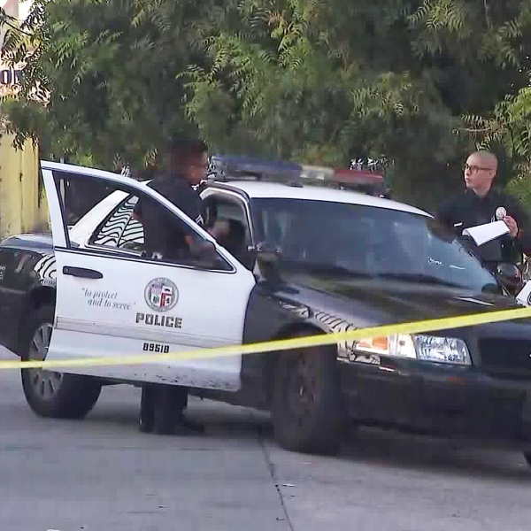 Police investigate a fatal shooting in the Florence neighborhood of Los Angeles on Aug. 29, 2019. (Credit: KTLA)
