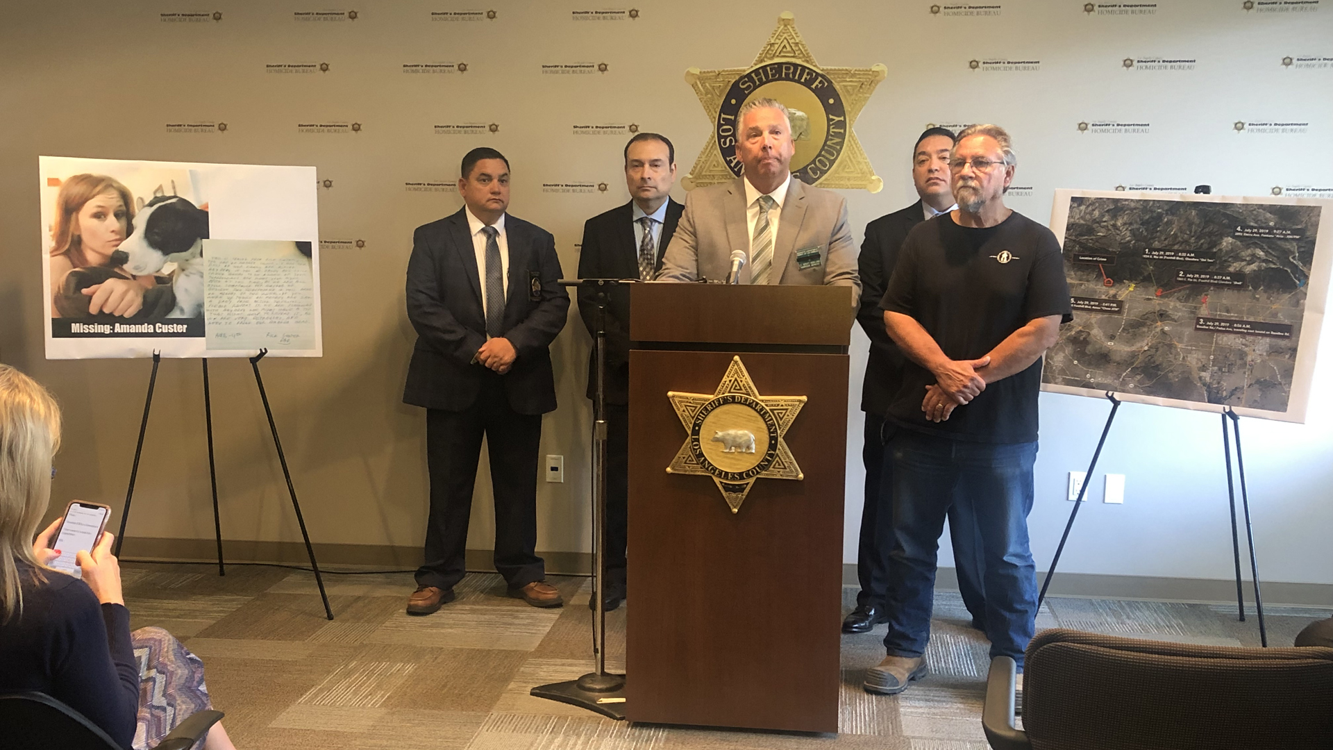 Los Angeles County Sheriff's Department officials provide an update to the continued search for Amanda Custer on Aug. 8, 2019. (Credit: KTLA)
