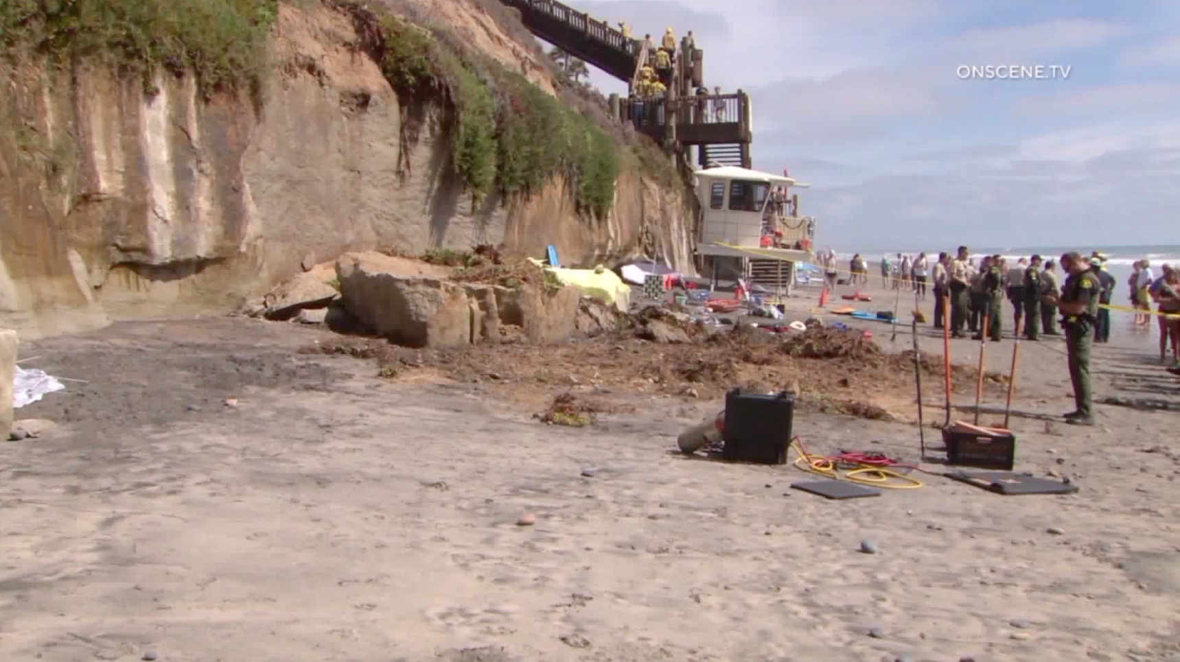 The area where a cliff collapsed in Encinitas, killing three women, is seen Aug. 2, 2019. (Credit: Onscene.TV)