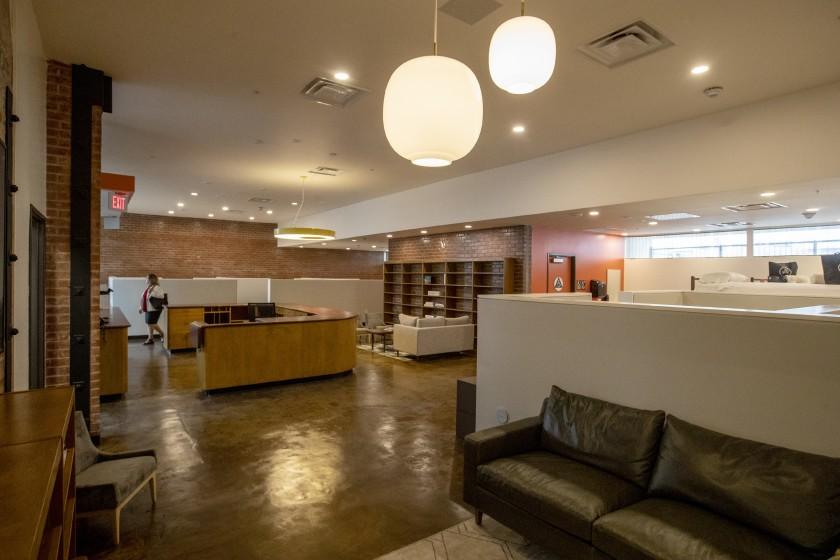 The interior of the Gardner Library Women's Bridge Shelter is seen in Hollywood in September 2019. (Credit: Brian van der Brug / Los Angeles Times)