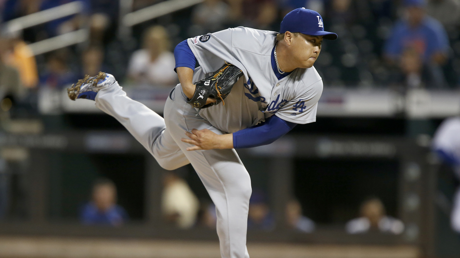 Hyun-Jin Ryu #99 of the Los Angeles Dodgers pitches in the first inning against the New York Mets at Citi Field on September 14, 2019 in New York City. (Credit: Jim McIsaac/Getty Images)
