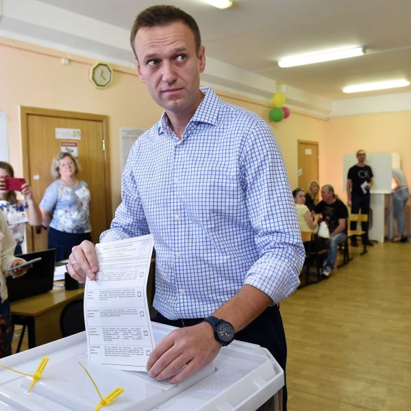 Russian opposition activist Alexei Navalny casts his vote at a polling station during to the Moscow city Duma election in Moscow, Russia on Sept. 8, 2019. (Credit: VASILY MAXIMOV/AFP/Getty Images)