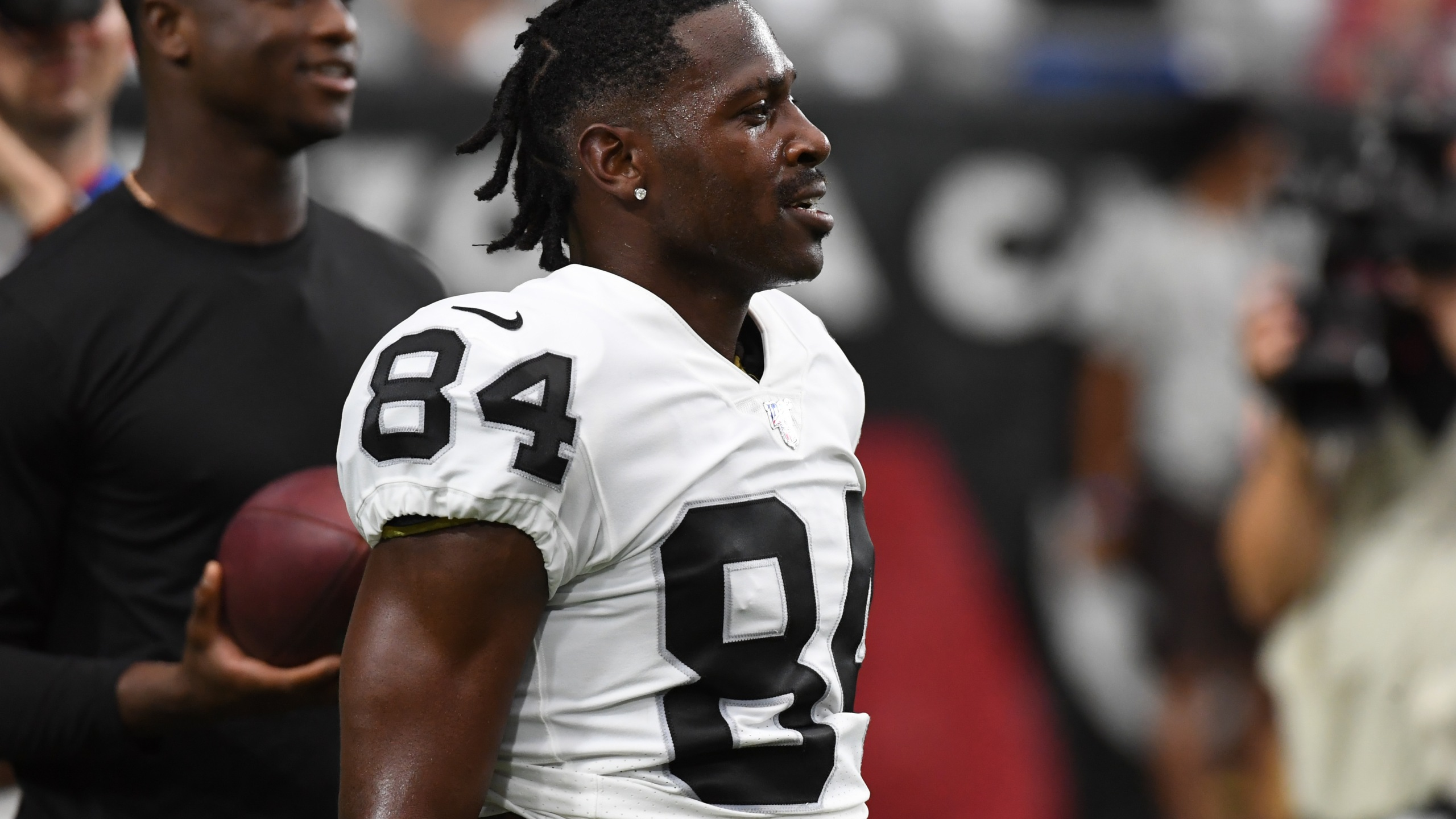 Antonio Brown warms up prior to an NFL preseason game against the Arizona Cardinals at State Farm Stadium on Aug. 15, 2019 in Glendale, Arizona. (Credit: Norm Hall/Getty Images)