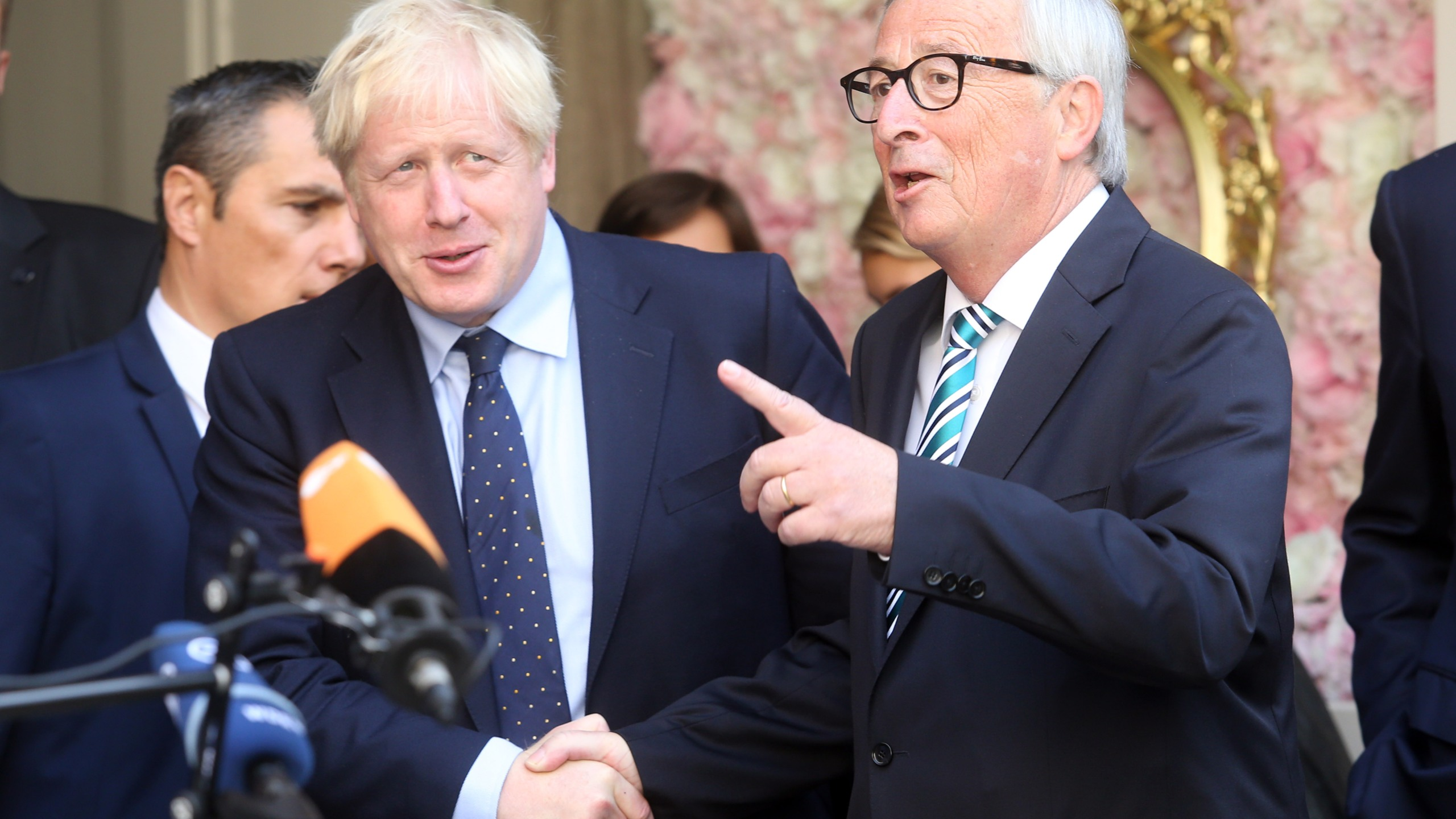 European Union Commission president Jean-Claude Juncker (R) welcomes British Prime Minister Boris Johnson (L) prior to their meeting, on Sept. 16, 2019, in Luxembourg. (Credit: FRANCOIS WALSCHAERTS/AFP/Getty Images)