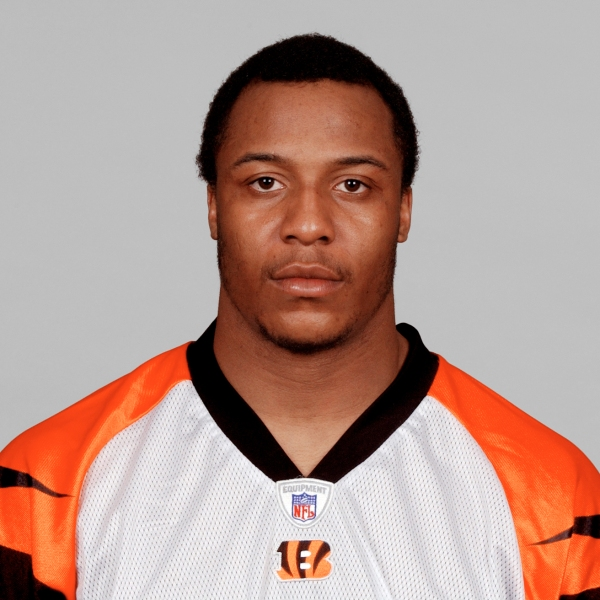 Terrell Roberts poses for his 2005 NFL headshot as a player for the Cincinnati Bengals at photo day in Cincinnati, Ohio. (Credit: Getty Images)