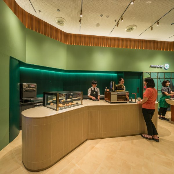 The interior of the Starbucks Now store in China. (Credit: Starbucks via CNN)