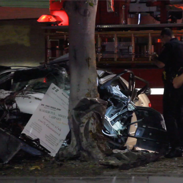 Officers respond to a fatal car crash in Inglewood on Sep. 29, 2019. (Credit: Loudlabs)