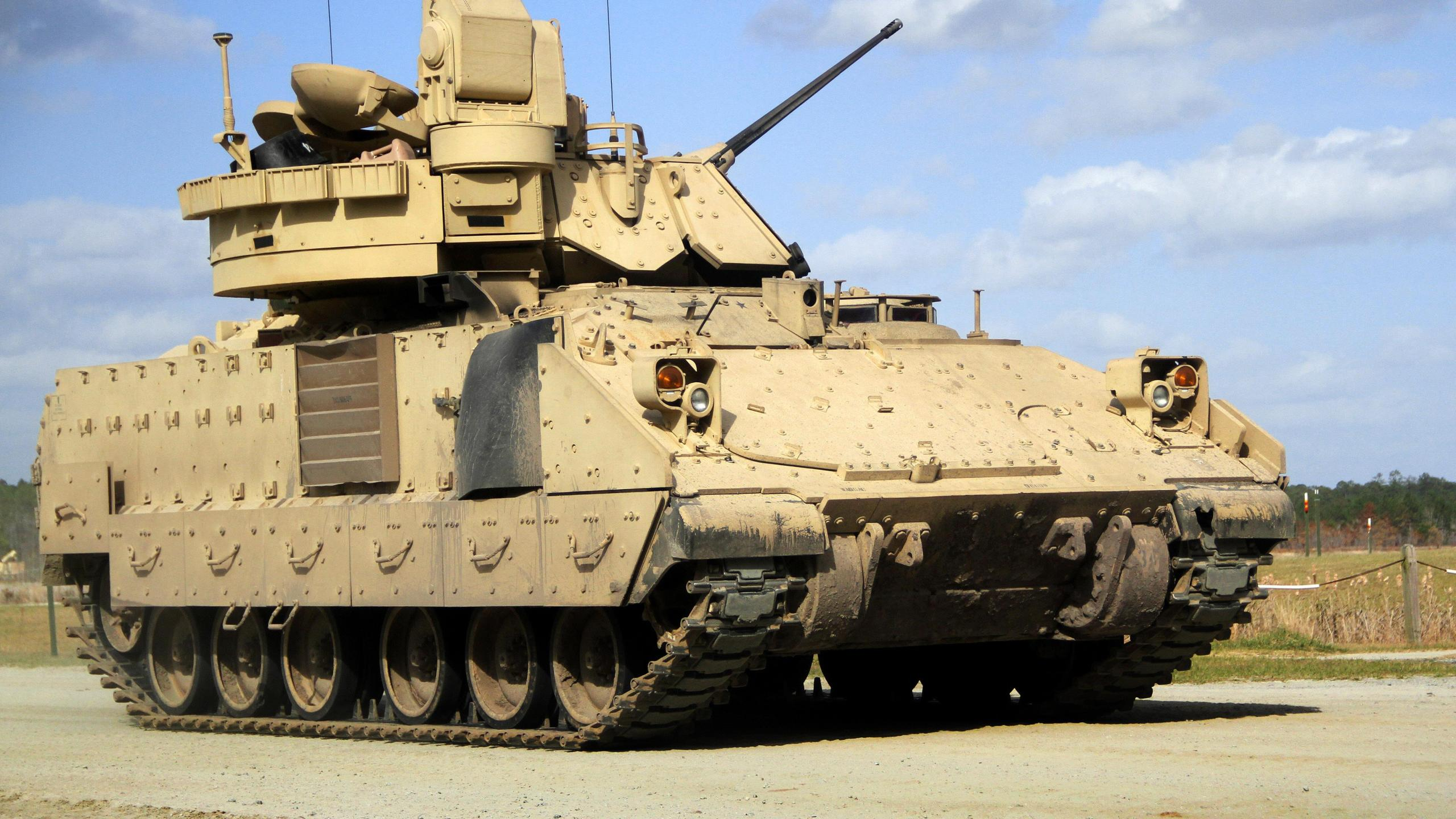 An M3A3 Bradley fighting vehicle is seen during a live-fire training exercise at Fort Stewart, Georgia, on March 10, 2016. (Credit: Pfc. Payton Wilson/ U.S. Department of Defense)