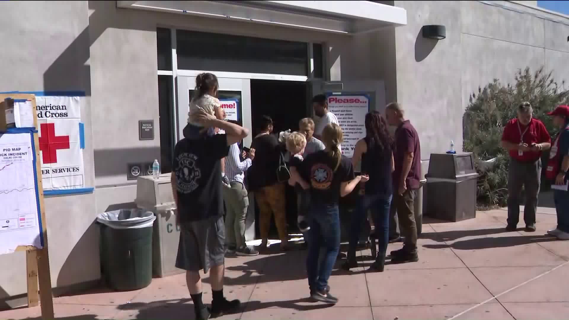Residents flock to an evacuation center in Santa Clarita during the Tick Fire on Oct. 25, 2019. (Credit: KTLA)