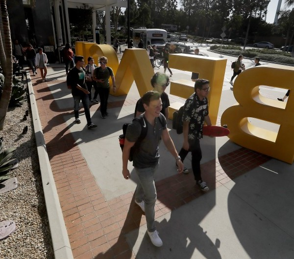 Students head to class at California State University Long Beach in this undated photo. (Credit: Luis Sinco / Los Angeles Times)