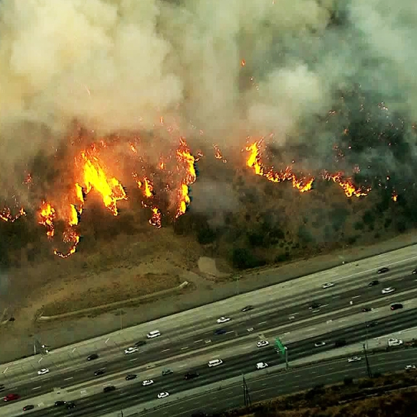 The Getty Fire burns near the 405 Freeway on Oct. 28, 2019. (Credit: KTLA)