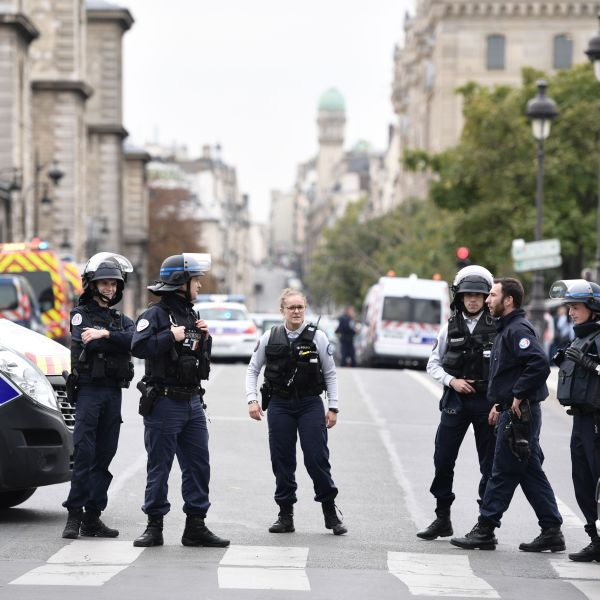 Police block the street after a knife attack at Paris prefecture de police (police headquarters) on Oct. 3, 2019. (Credit: MARTIN BUREAU/AFP via Getty Images)