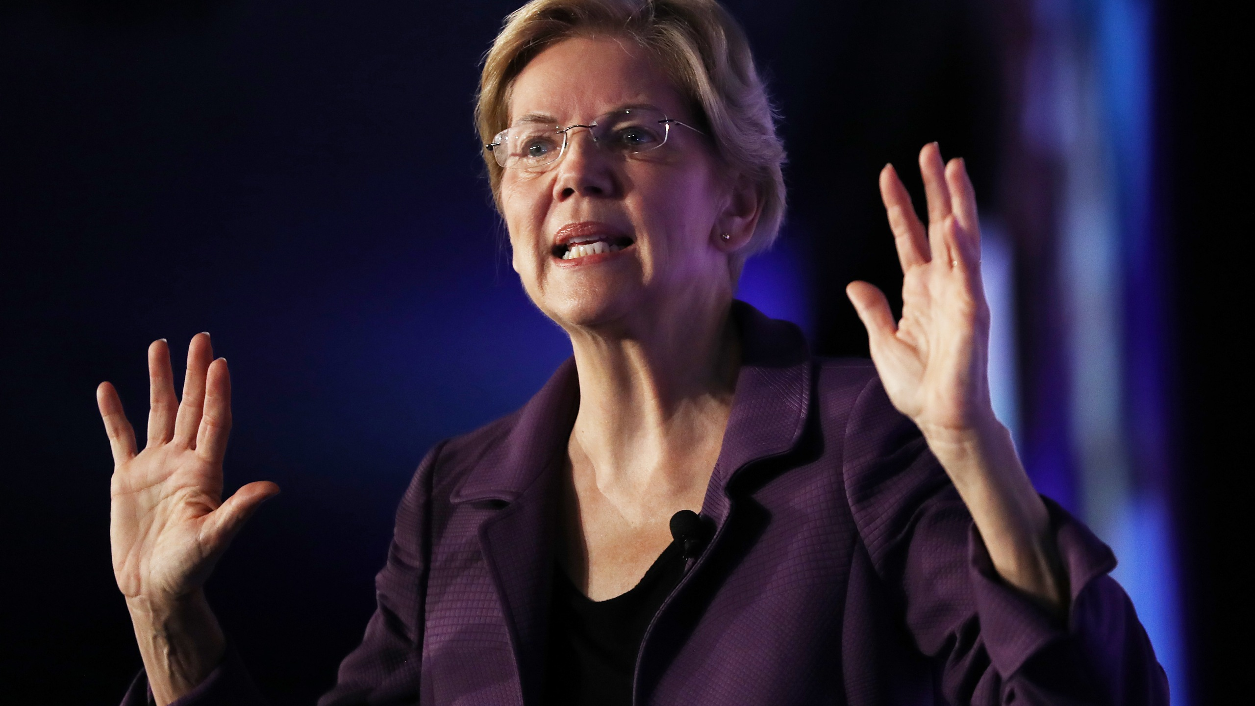 Democratic presidential candidate Sen. Elizabeth Warren (D-MA) speaks at the SEIU Unions for All Summit on Oct. 4, 2019, in Los Angeles. (Credit: Mario Tama/Getty Images)