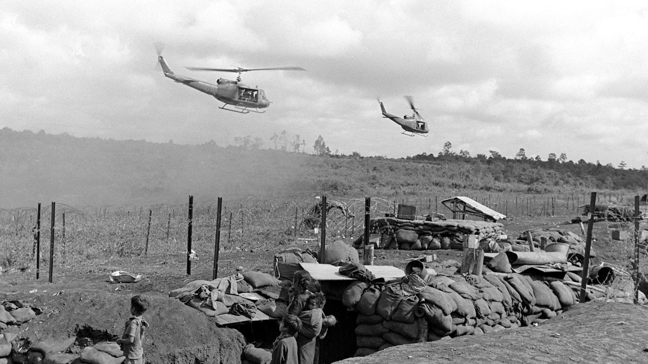 Watch helicopters arriving at an American camp in Plei Me, south Vietnam in Nov. 1, 1965. (Credit: AFP via Getty Images)