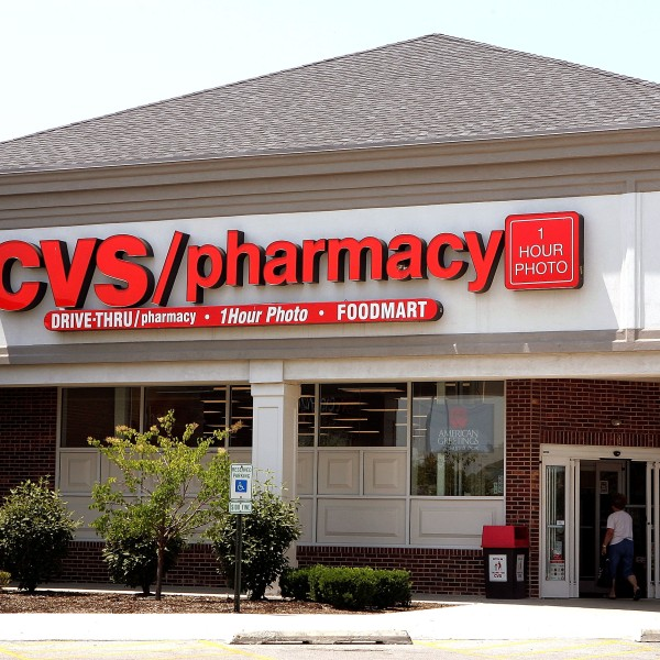 A woman walks into a CVS store June 23, 2005 in Mount Prospect, Illinois. (Credit: Tim Boyle/Getty Images)