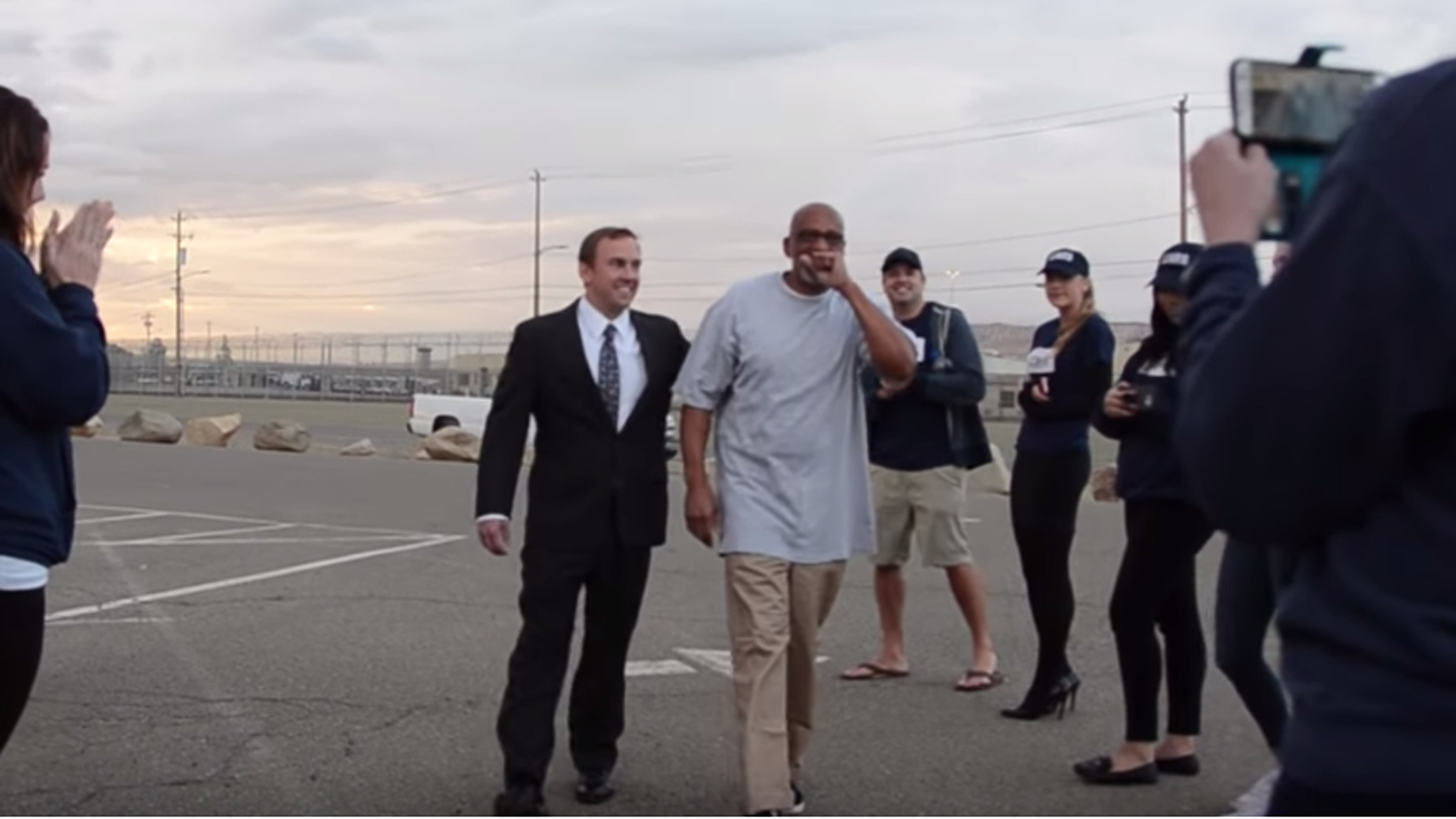Horace Roberts walks out of a Riverside prison a free man on Oct. 15, 2018, after being exonerated. (California Innocence Project)