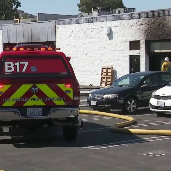 Crews respond to the scene of a fire at a commercial building in Chatsworth on Sept. 21, 2019. (Credit: KTLA)