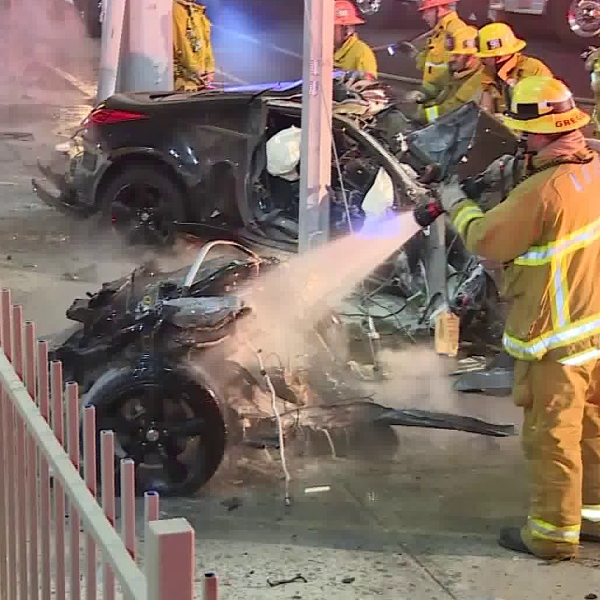 Emergency crews respond to a fatal crash in the Pacoima area on Oct. 4, 2019. (Credit: RMG News)