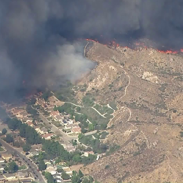 The Tick Fire threatened homes in Agua Dulce and Canyon Country on Oct. 24, 2019. (Credit: KTLA)
