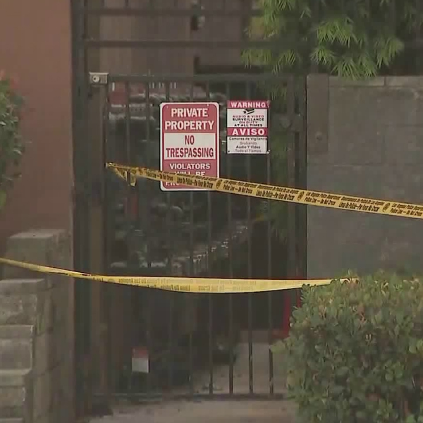 Police investigate the scene of a deadly shooting in Van Nuys Oct. 14, 2019. (Credit: KTLA)