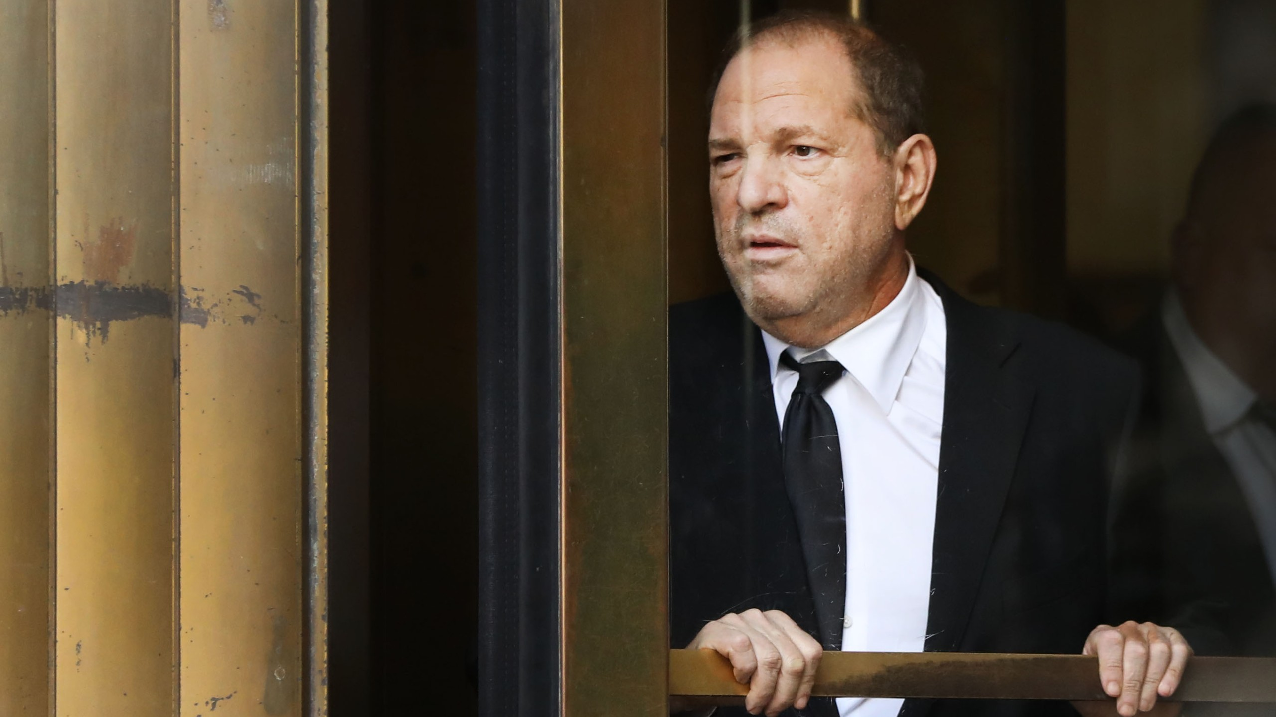 Harvey Weinstein exits court in New York City following his arraignment in a new sexual assault indictment on Aug. 26, 2019. (Credit: Spencer Platt / Getty Images)
