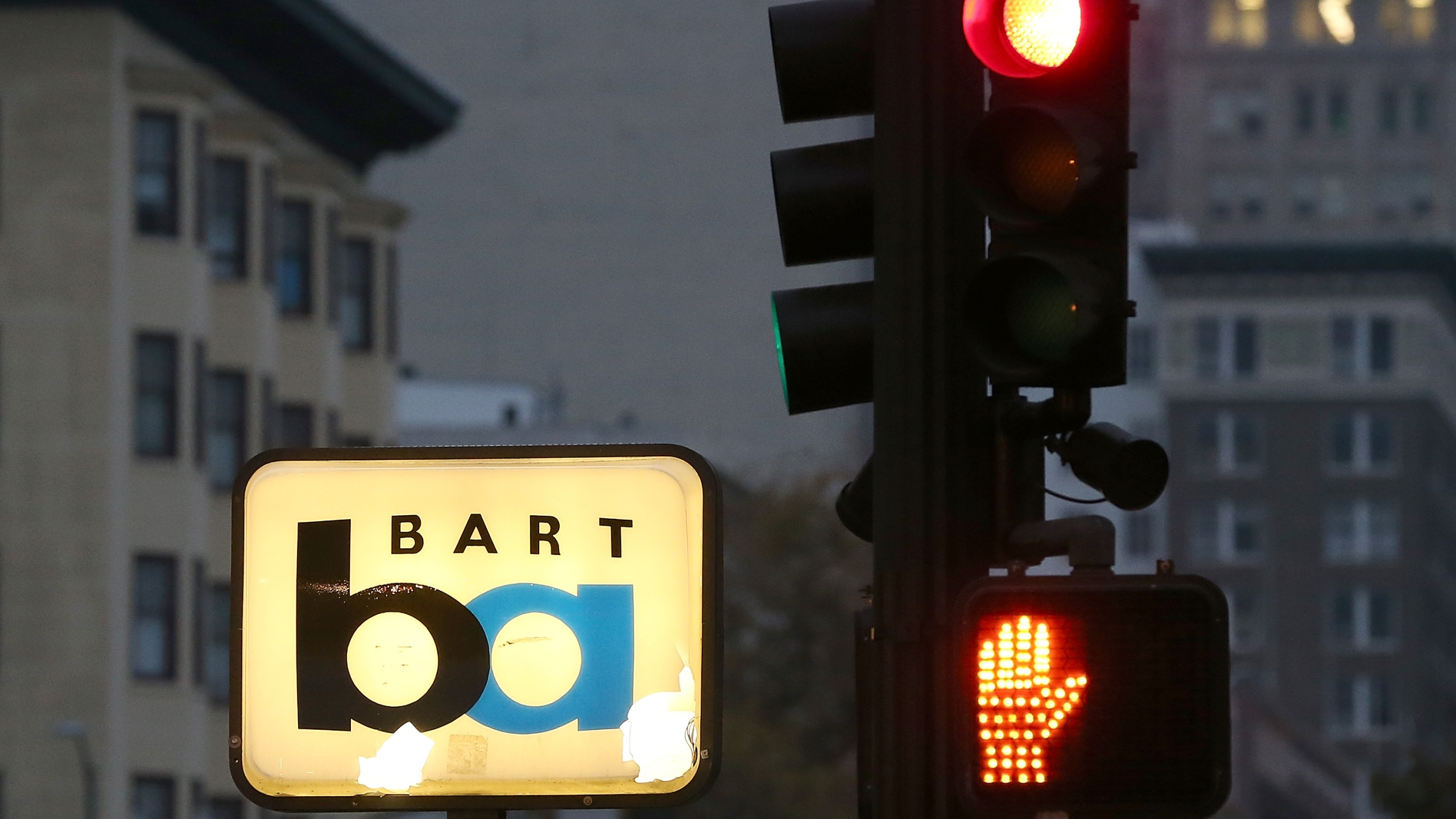 A Bay Area Rapid Transit (BART) sign stands at a closed station on Oct.21, 2013 in Oakland. (Credit: Justin Sullivan/Getty Images)