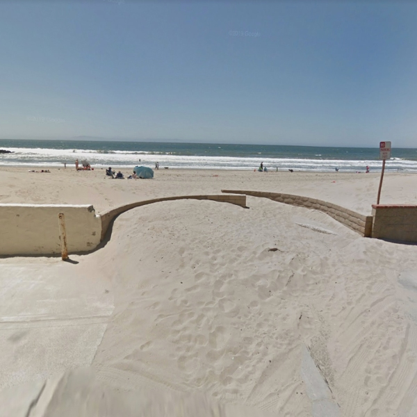Norwich Lane at the Pacific Ocean in Ventura, as pictured in a Google Street View image.