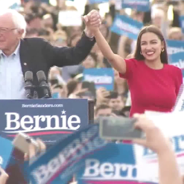 Sen. Bernie Sanders campaigns for the Democratic nomination at a rally Dec. 21, 2019, in Venice Beach, where he was joined by Rep. Alexandria Cortez. (Credit: KTLA)