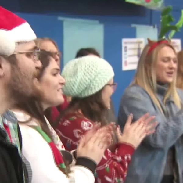 The Midnight Mission, a charity in downtown L.A., spreads Christmas cheer with its annual charitable event on Dec. 25, 2019. (Credit: KTLA)
