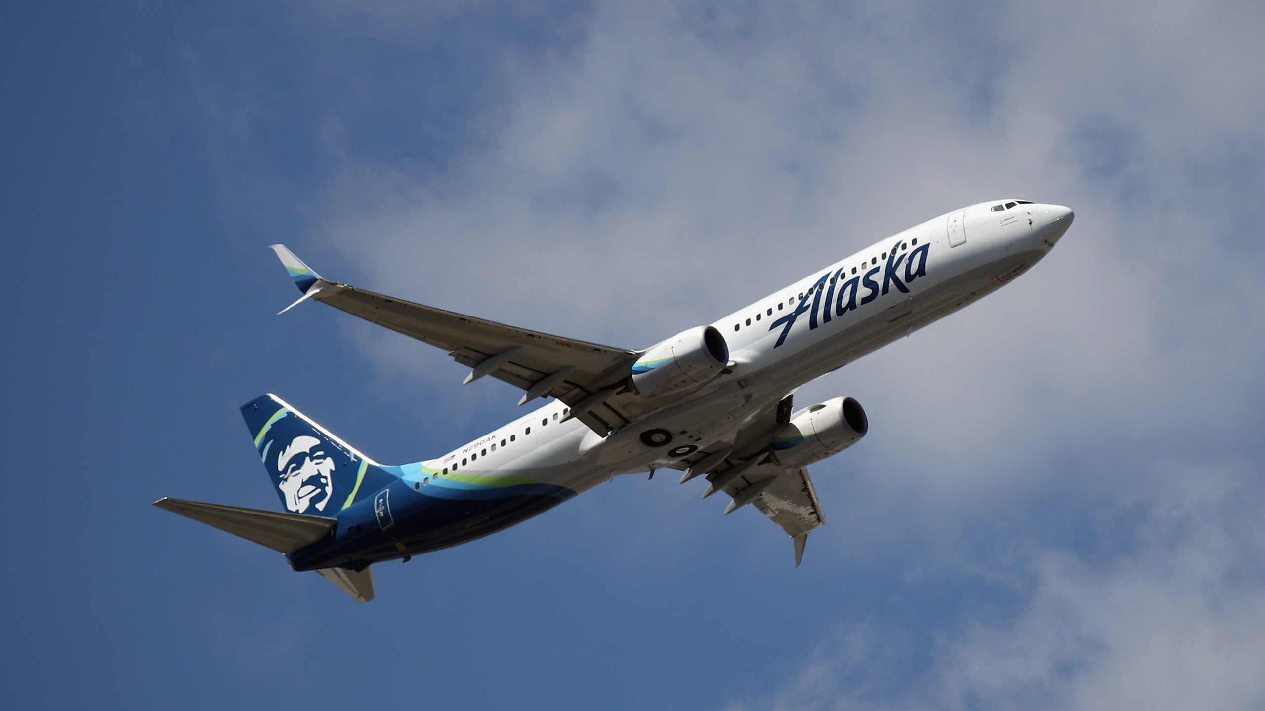 AN Alaska Airlines plane takes off from JFK Airport on Aug. 24, 2019. (Credit: Bruce Bennett/Getty Images)
