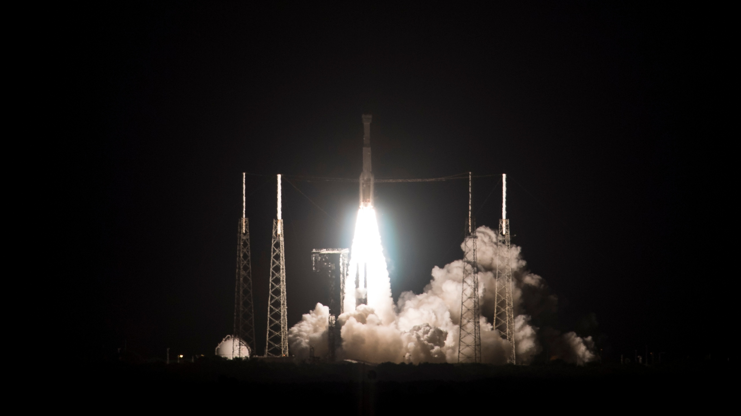 A United Launch Alliance Atlas V rocket with Boeings CST-100 Starliner spacecraft launches from Space Launch Complex 41, Dec. 20, 2019, at Cape Canaveral Air Force Station in Florida. (Credit: Joel Kowsky/NASA via Getty Images)