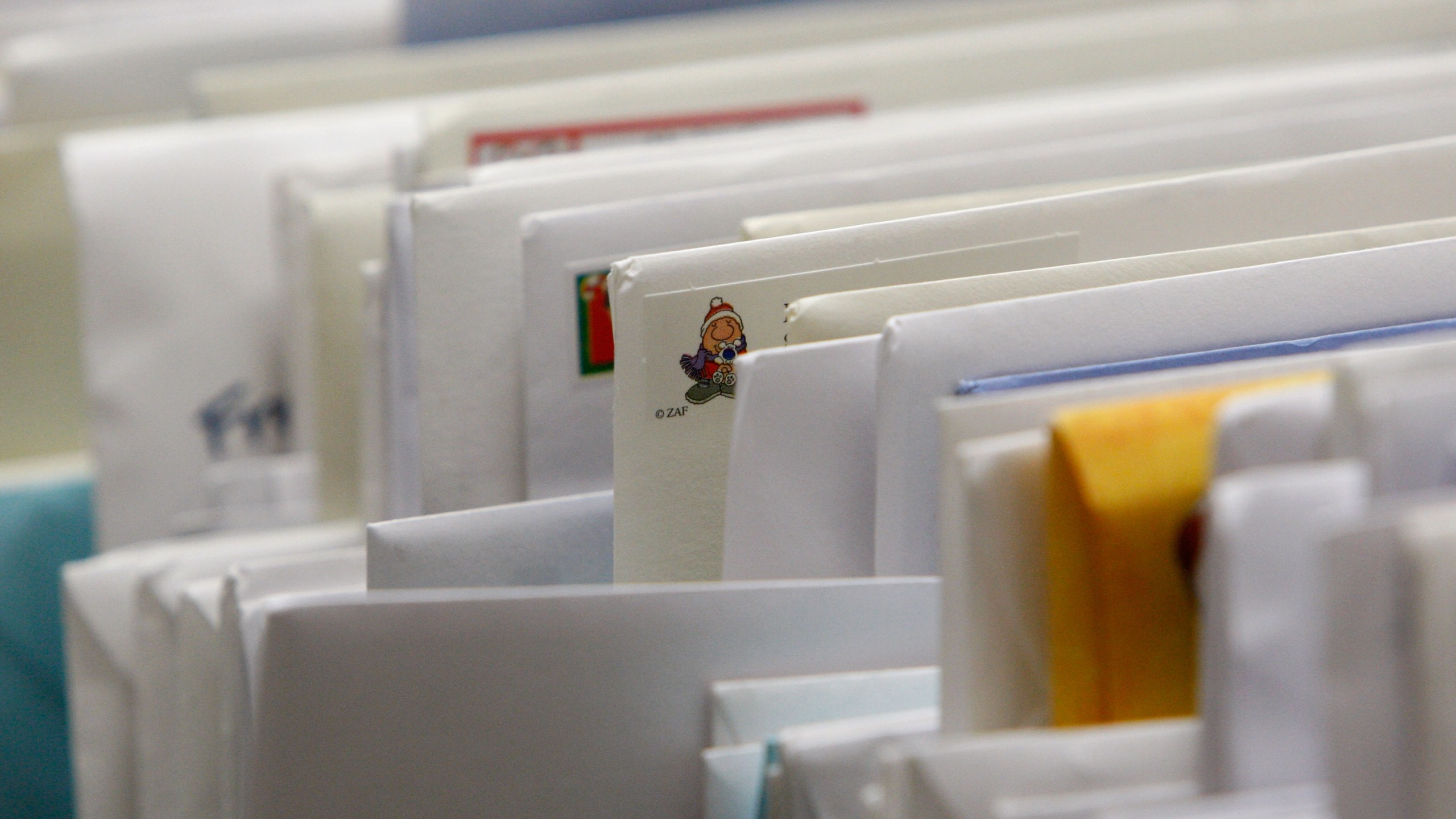This file photo shows letters at the U.S. Post Office on Dec.17, 2007, in San Francisco. (Credit: Justin Sullivan/Getty Images)