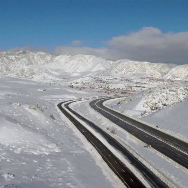 The 5 Freeway remained closed through the Grapevine early Dec. 27, 2019. (Credit: KTLA)