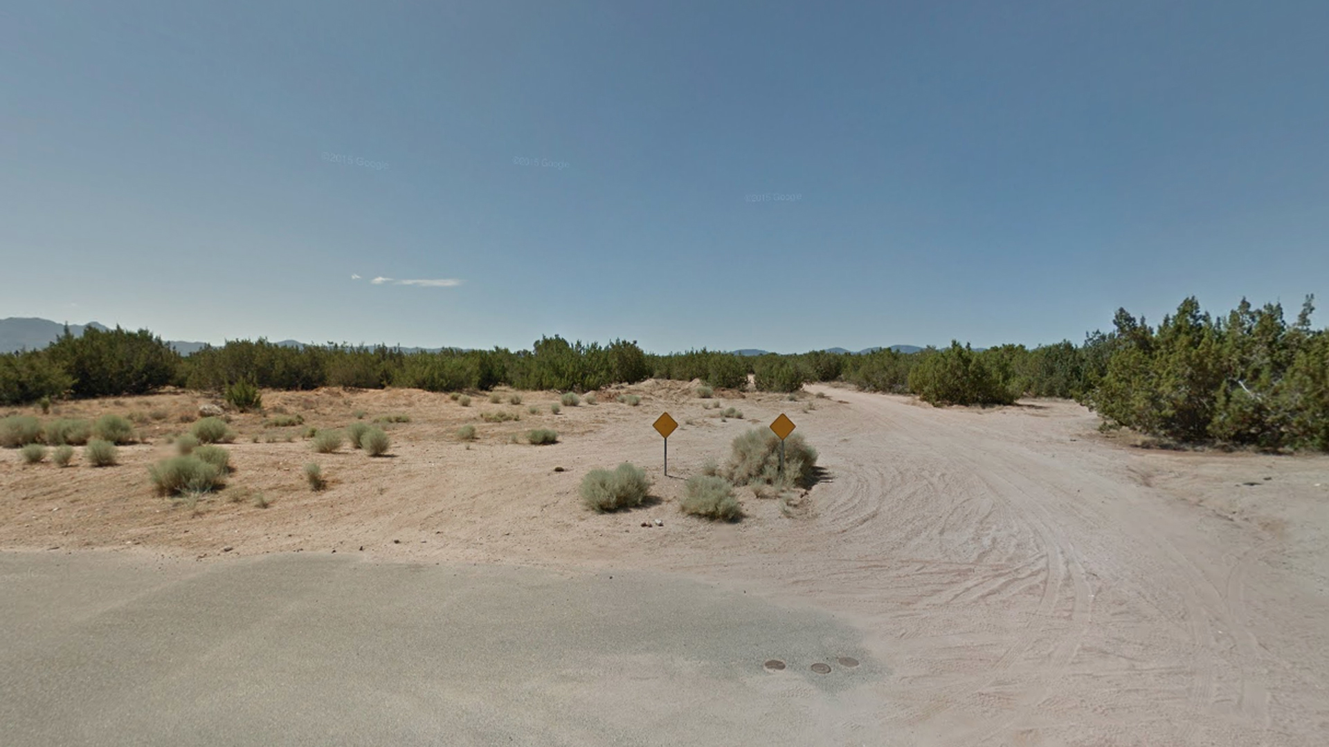 The rural area south of Farmington Street in Hesperia is seen in a Google Maps Street View Image.