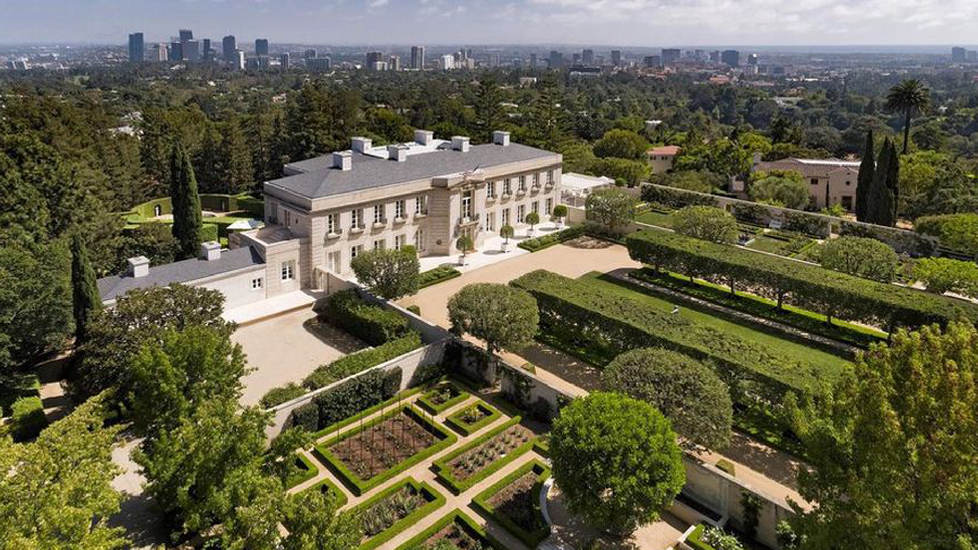 """Chartwell, also known as """"The Beverly Hillbillies"""" . mansion, appears in a photo from realtor.com."""