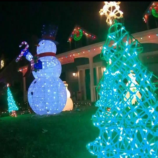 """Woodland Hill's """"Candy Cane Lane"""" was aglow with decorations on Dec. 20, 2019. (Credit: KTLA)"""