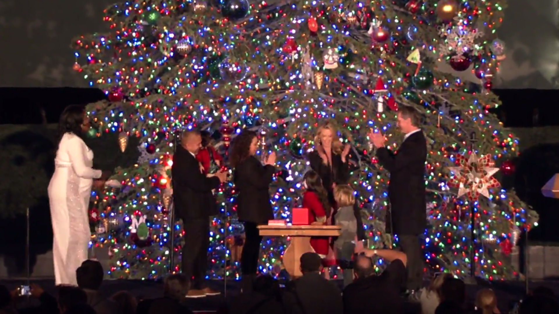 Gov. Gavin Newsom and First Partner Jennifer Siebel Newsom were joined by Nayeli Lemus, 10, of Gilroy in lighting the Capitol Christmas Tree on Dec. 6, 2019. (Credit: Office of the Governor)