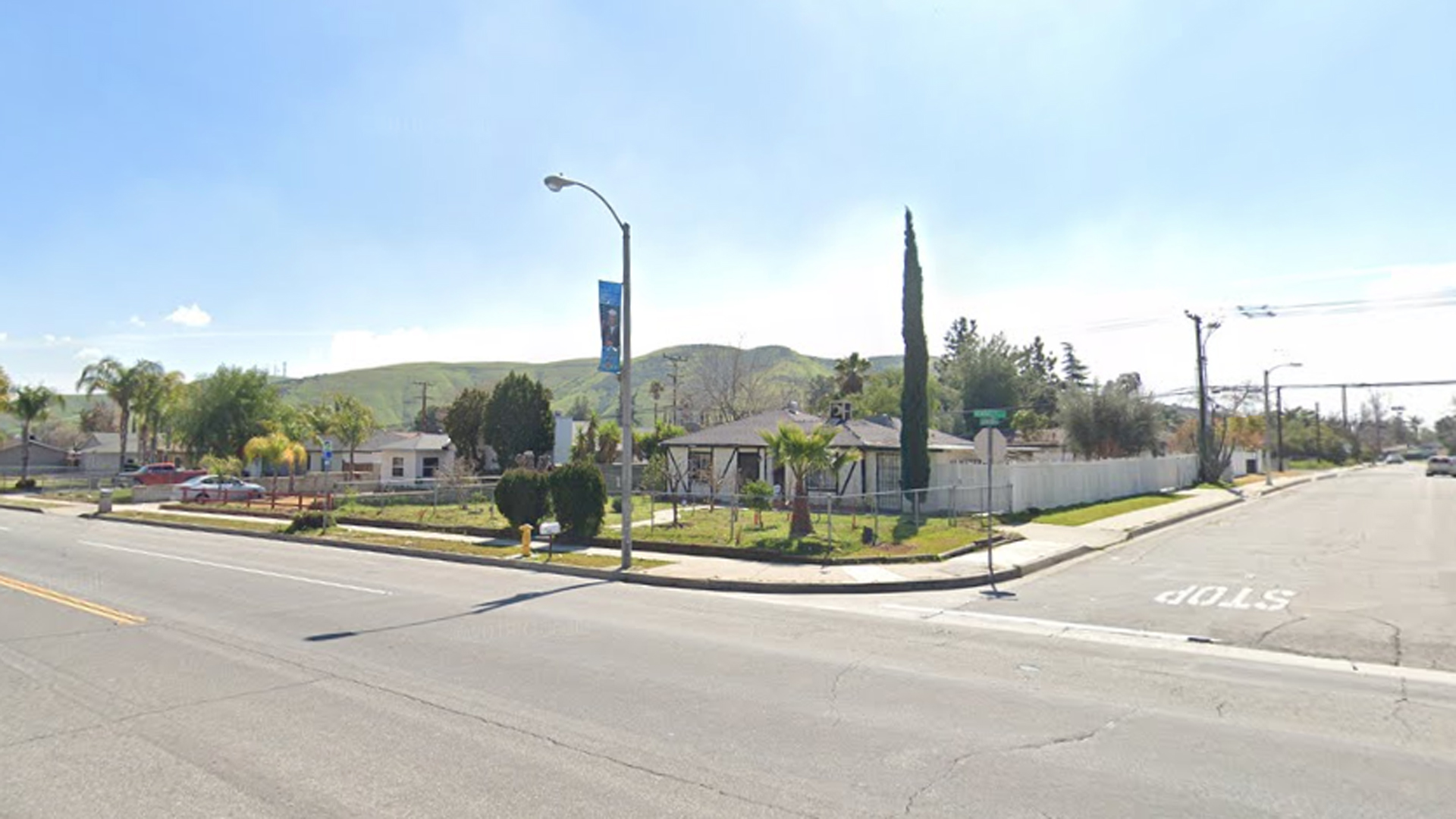 The intersection of Lakewood Street and Kendall Drive in San Bernardino appears in an image from Google Maps.