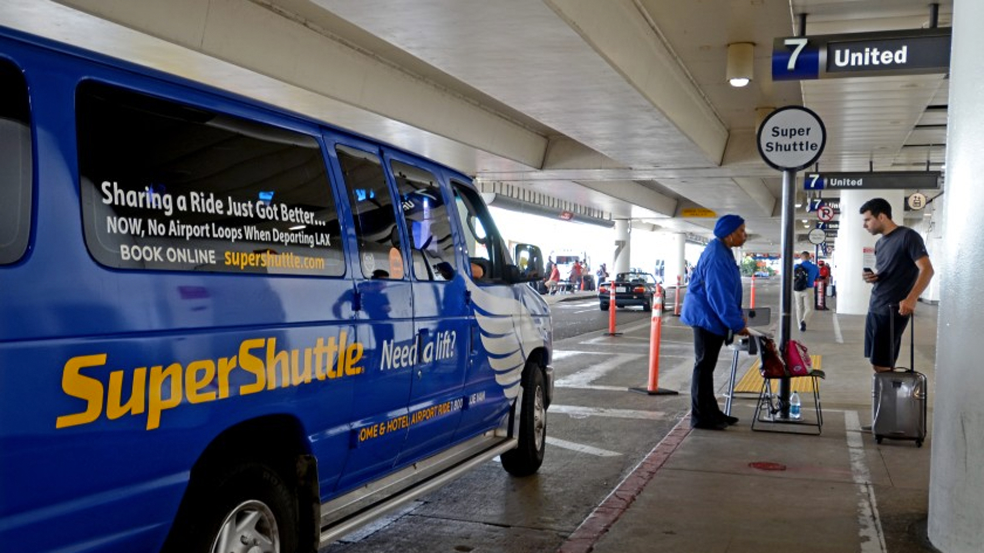 SuperShuttle has been serving passengers for 35 years.(Credit: Richard Derk / Los Angeles Times)