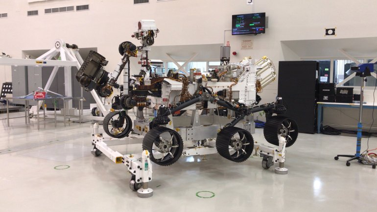 Scientists display the Mars 2020 Rover at NASA's Jet Propulsion Laboratory in Pasadena on Dec. 27, 2019. (Credit: JPL)