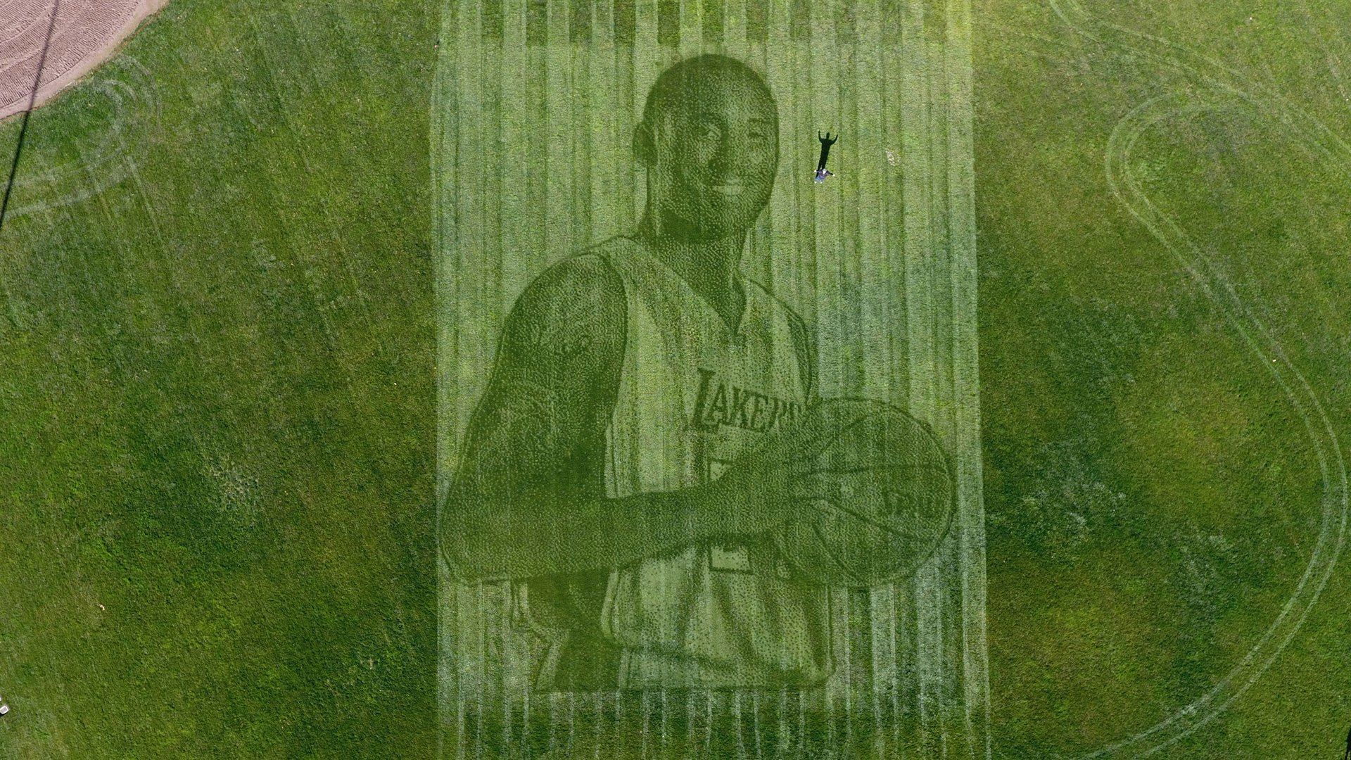 Kelli Pearson and her husband, Pete Davis, created a 115-foot tall mural of Kobe Bryant in a grass field in Pleasanton. (Credit: Kelli Pearson)