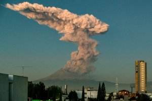 The Popocatepetl Volcano spews ash and smoke as seen from Puebla, central Mexico, on Jan. 9, 2020. (Credit: CARLOS SANCHEZ/AFP via Getty Images)