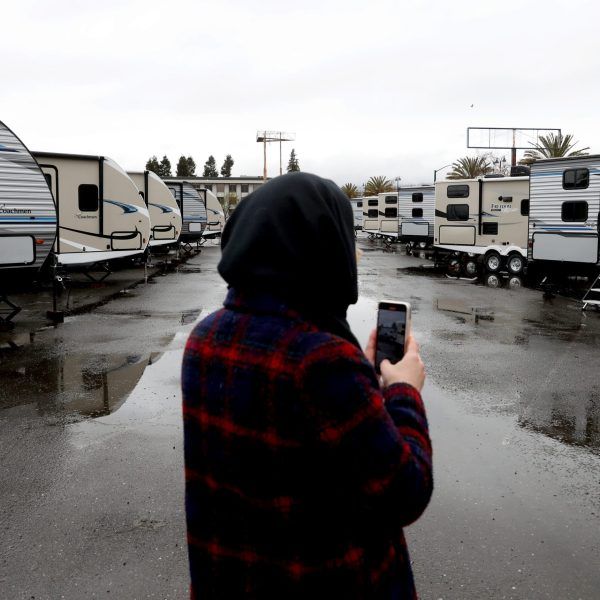 FEMA trailers are displayed in Oakland before a press conference with California Gov. Gavin Newsom and Oakland Mayor Libby Schaaf about the state's actions to address homelessness on Jan. 16, 2020. (Credit: Justin Sullivan / Getty Images)