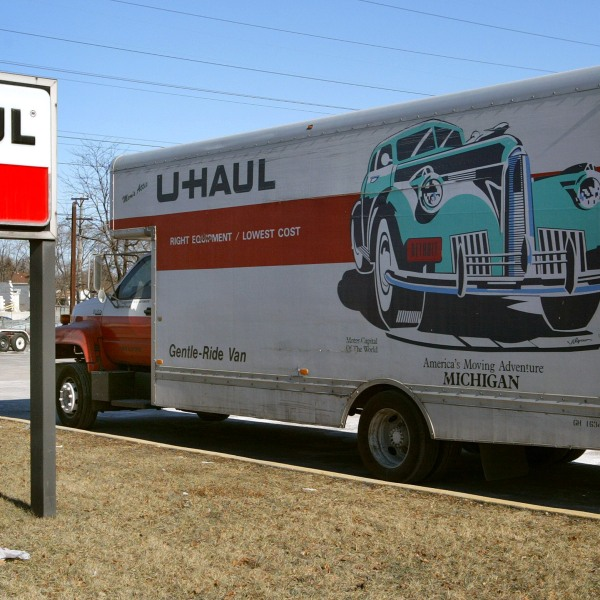 A U-Haul truck is seen on Jan. 23, 2003, in Morton Grove, Illinois. (Credit: Tim Boyle/Getty Images)