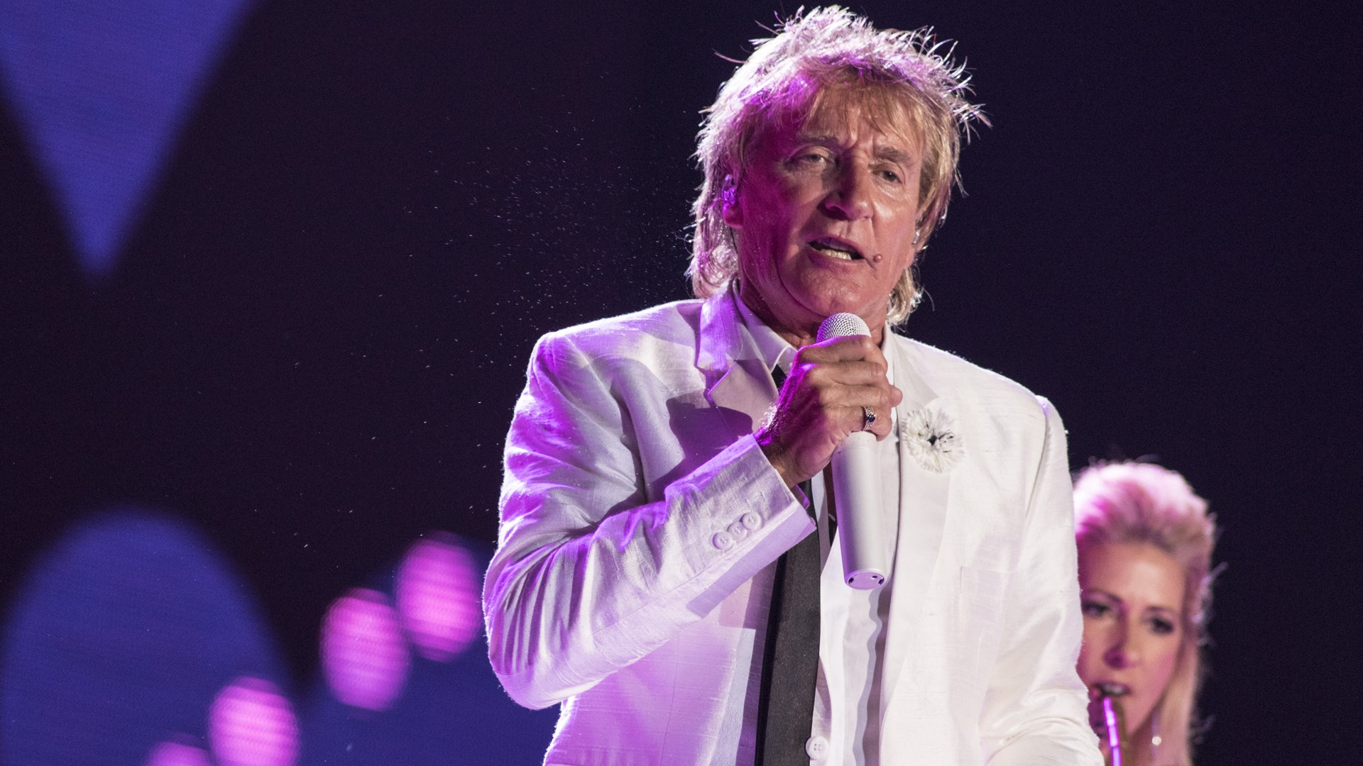 Rod Stewart performs at 2015 Rock in Rio on Sept. 20, 2015, in Rio de Janeiro, Brazil. (Credit: Raphael Dias/Getty Images)